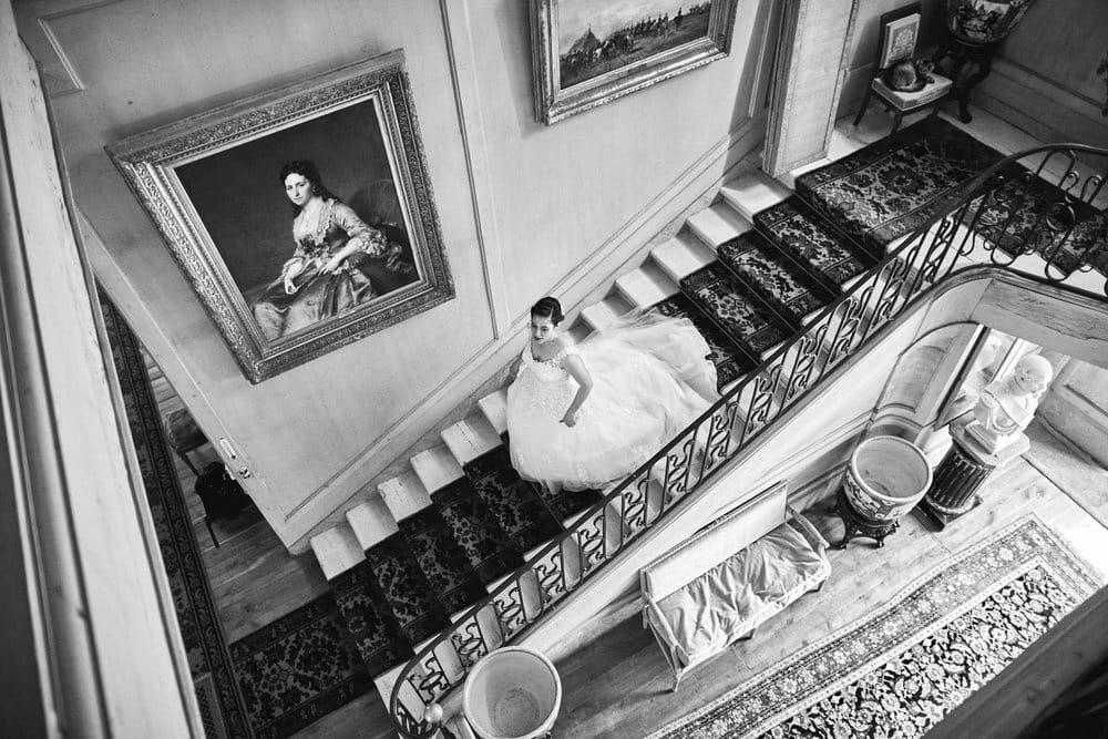 Descente de la mariée dans les escalier du Château de Salvanet