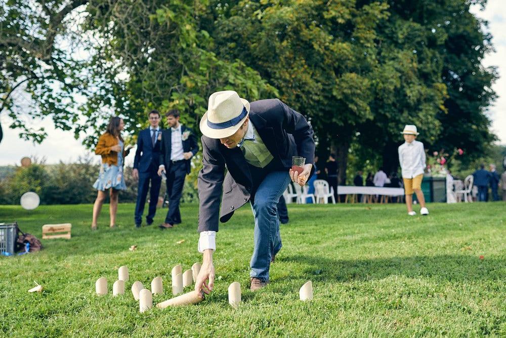Jeux sur les pelouses du Château de Salvanet