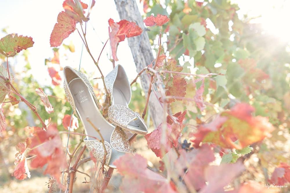 Chaussures de la mariée dans les vignes de Saint-Emilion